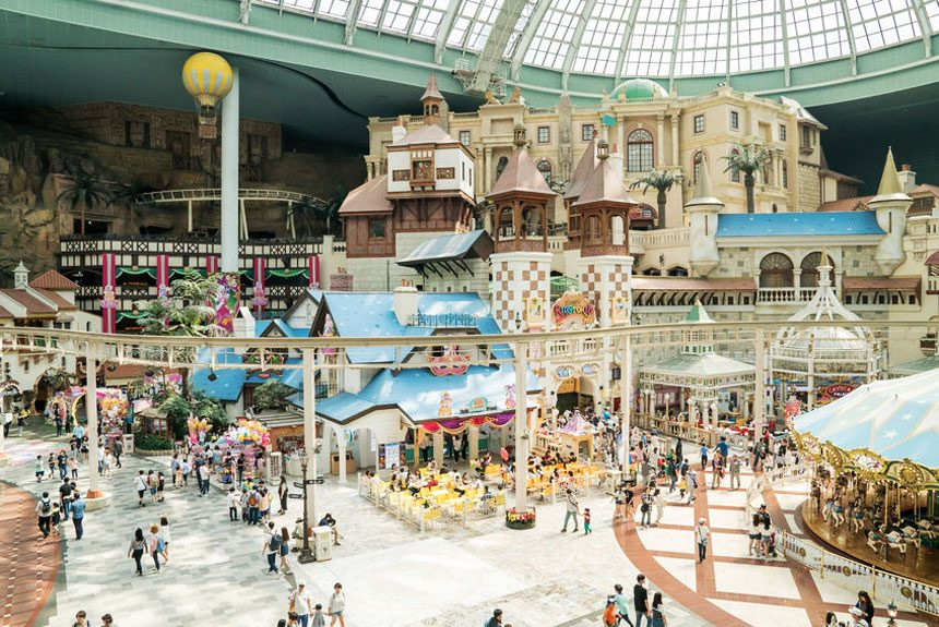 Get excited at Lotte World theme park