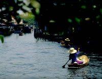 khlong-lat-mayom-market-bangkok
